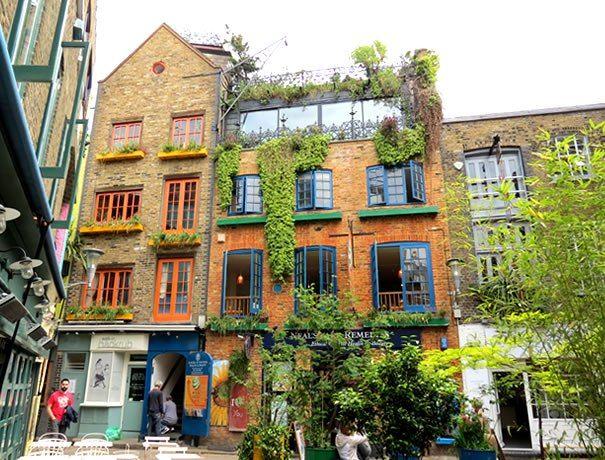 Neal's Yard - un rincón de color en el centro de Londres   From Spain to UK