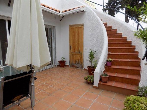 Imagen Terraza De Chalet Adosado En Calle Santander 24 Linda Vista Nueva Alcantara Cortijo Blanco Marbella Vistas Chalet Inmueble