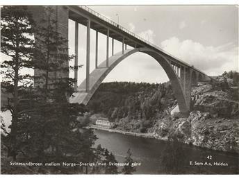 Svinesundbroen mellom Norge-Sverige med Svinesund gård ca 1950