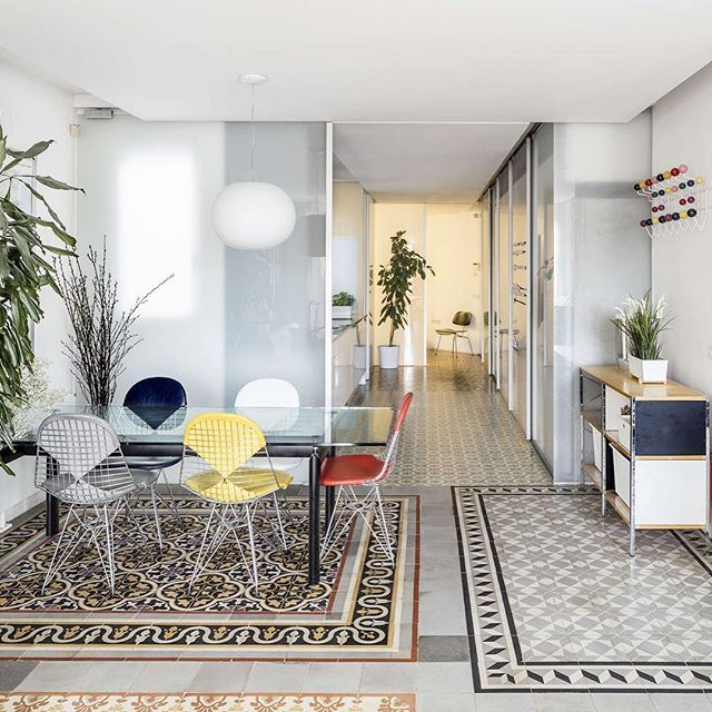Similar to many other apartment renovations in Barcelona, narch's refurbishment of an apartment in the Eixample neighborhood preserves the intricate floor tiles typical of Spanish flooring/ The renovation is also an exercise to maximize mobile space and natural light in a tight space/ Explore more of this project on #Architizer . . . #barcelona #apartmentrefurbish #flooring #tiles #eixample #interiordesign
