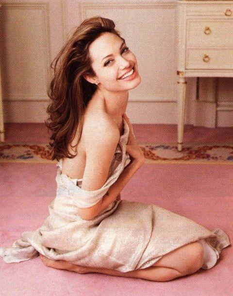 Angelina Jolie By: Annie Leibovitz: Celeb, Angelina Jolie, Annie Leibovitz, Beauty, Beautiful People, Angelinajolie, Women, Photography