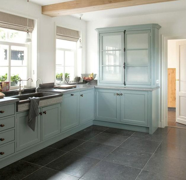 http://www.alistairmackintosh.co.uk/Limestone%20Images/B%20Blue%20Kitchen.jpg