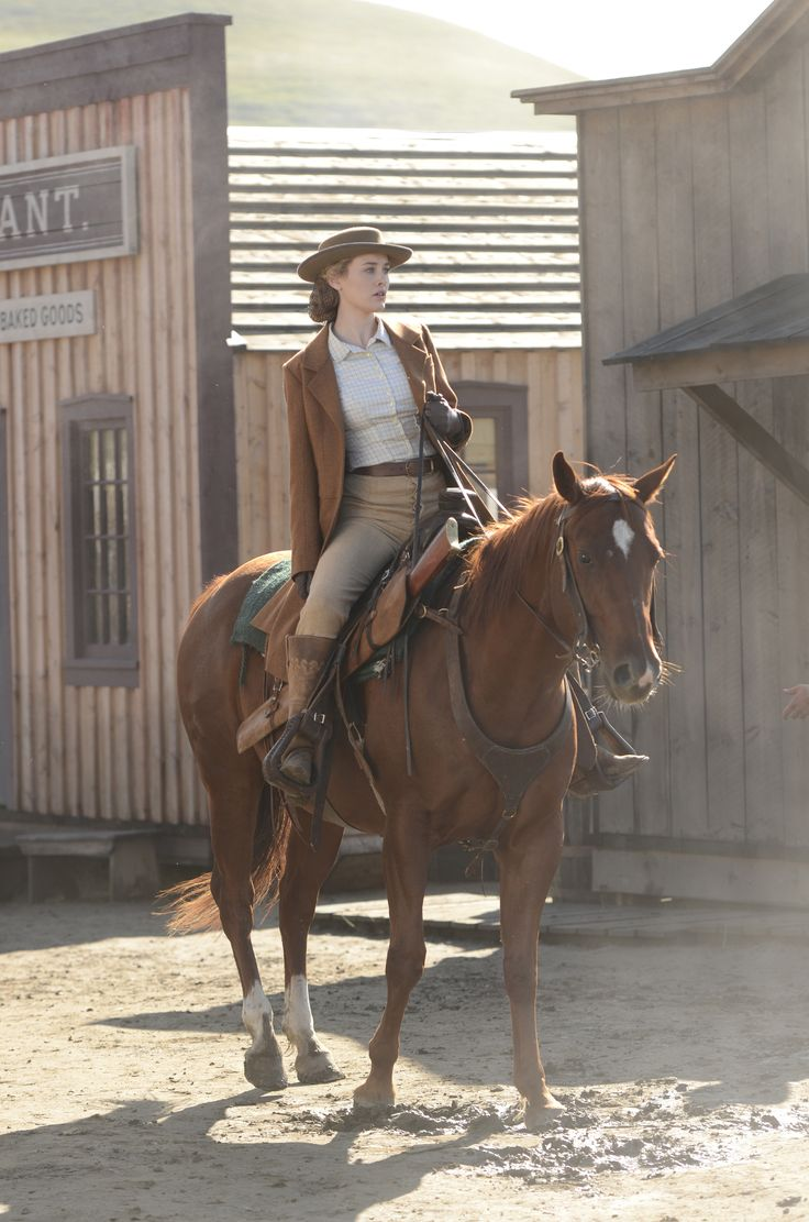 Hell on Wheels - Season 2 Episode 8 Still
