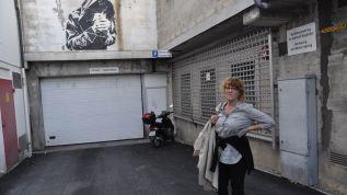 Byantikvar Gro Persson ser på gatekunsten som ei gåve til Sandnes. Ho meiner kunsten vil gjera at folk oppdagar byen på nytt.