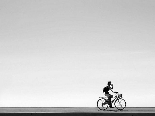 Black and white street photography by Piriskoskis