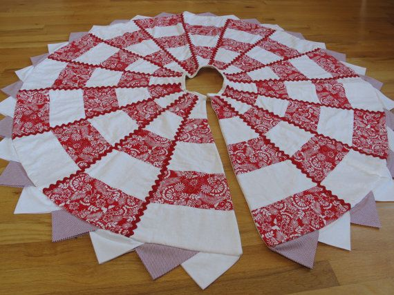 Quilted Christmas Tree Skirt  Red and White by printsandplaids,(love the prairie points)