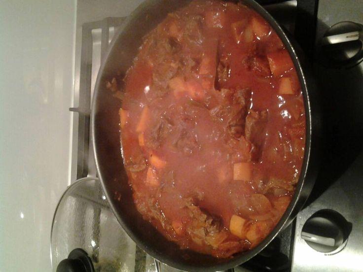 Deze week dit gerecht gemaakt om in te vriezen. Vaak wordt zon stoofpot na het opwarmen nog lekkerder. Ik vind het handig iets in voorraad te hebben als ik...
