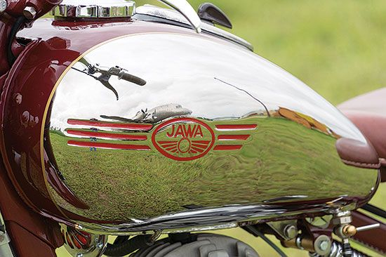Iron Curtain Artistry: 1954 JAWA 250 Perak - More Classic Motorcycles…