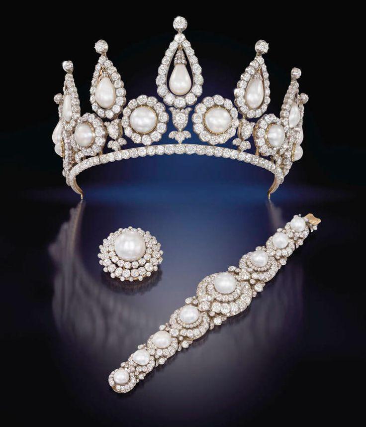 Эксклюзивная тиара с жемчугом и бриллиантами, браслет и брошь из набора Ротшильдов