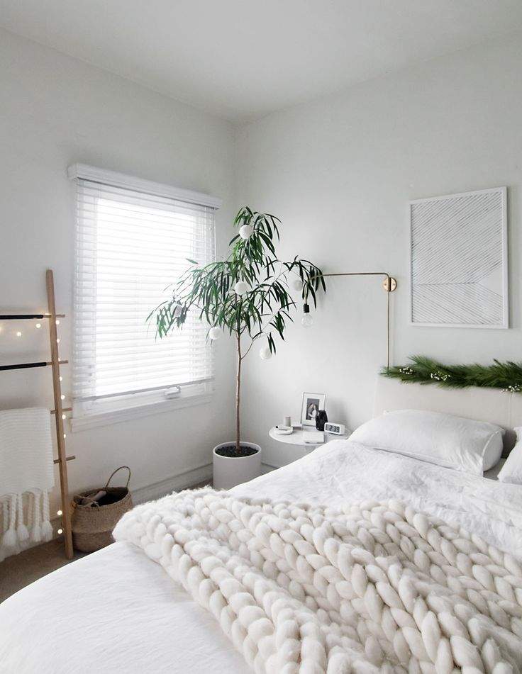 Christmas In The Bedroom Vol 3 White Bedroom With Plants Black White And Gold Bedroom Ideas White White Bedroom Design Aesthetic Bedroom Bedroom Design