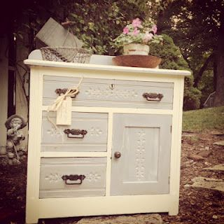 13 best upcycled painted furniture ideas images on for Meuble antique kijiji