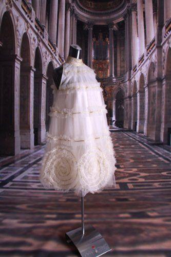 Amazon.co.jp: Aライン アメリカンスリーブの大人可愛いドレス オフホワイトのミディアムドレス ぐるぐる渦巻き ミニ丈のウェディングドレスにも♪: 服&ファッション小物