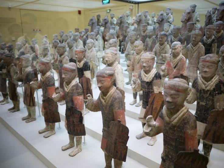 11-11-2012 FOTOSPECIAL. Beroemd Chinees terracottaleger aangegroeid. Chinese archeologen hebben 110 nieuwe strijders van het beroemde terracottaleger aangetroffen dat begraven was nabij het mausoleum van keizer Qin Shihuang in het noorden van het Aziatische land.