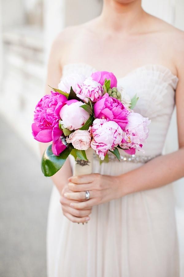 Beautiful flowers + gorgeous dress