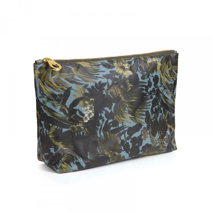 LIMERENCE Large Envelope Wash Bag - Sky