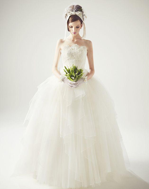 http://www.keitamaruyama.com/wedding/dress.html