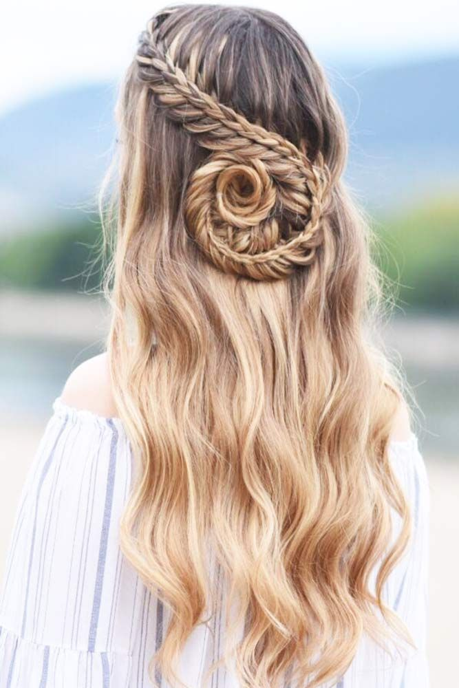 Popular Styles with a Snake Braid ★ See more: http://lovehairstyles.com/well-liked-snake-braid/