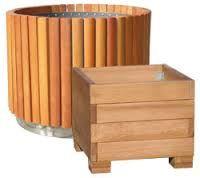 17 best images about garden beds on pinterest gardens for Maceteros de madera para interior