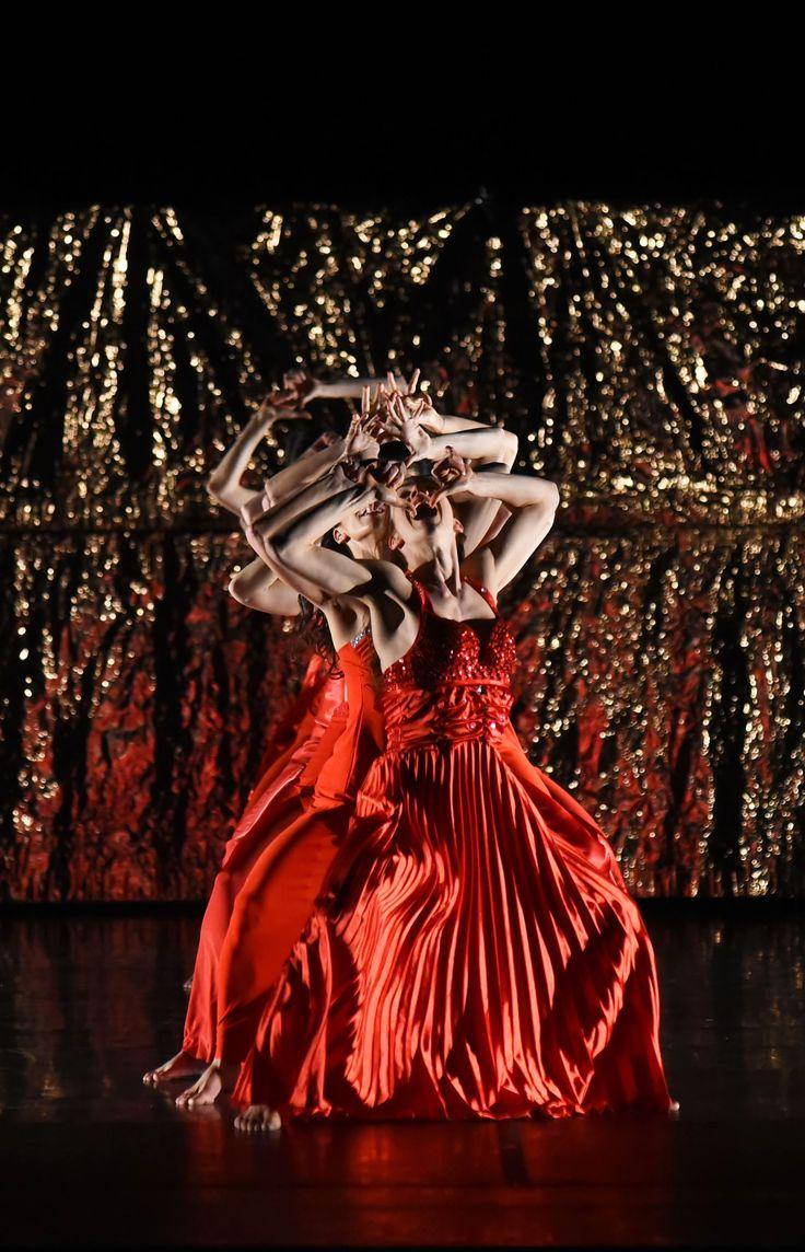 Compagnia Artemis Danza / Monica Casadei – Traviata (foto di Roberto Ricci)
