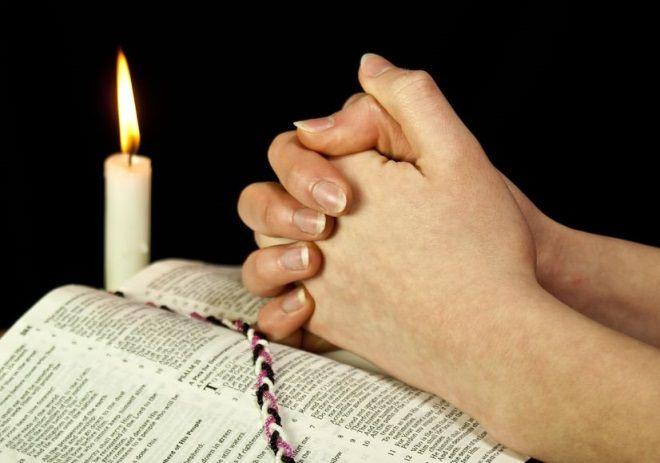 Descopera cea mai puternica rugaciune care se spune la necazuri si ce efecte are aceasta!