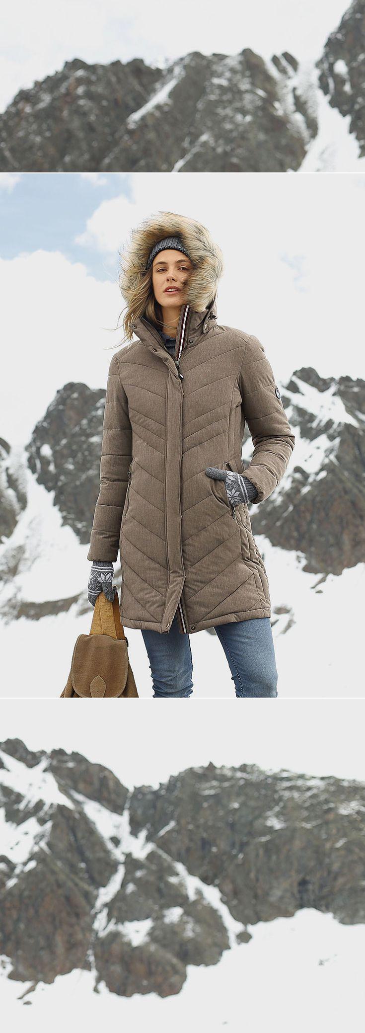 Ob sportlicher Spaziergang oder eine Wandertour durch die Berge: Mit der Steppjacke von Polarino sicherst du dir einen coolen Style, eine perfekte Wärmeisolation und einen angenehmen Tragekomfort – selbst bei dem schlechtesten Wetter.