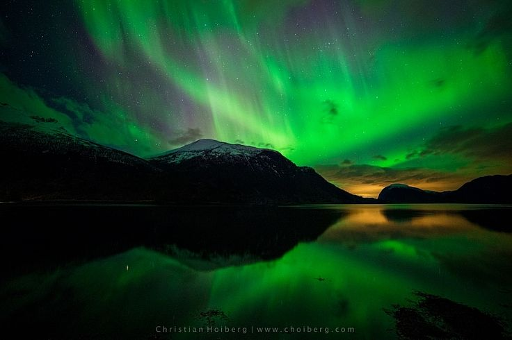 How to Photograph the Northern Lights or Aurora Borealis. Visit http://www.robflorexplore.com/photo-school now to learn more