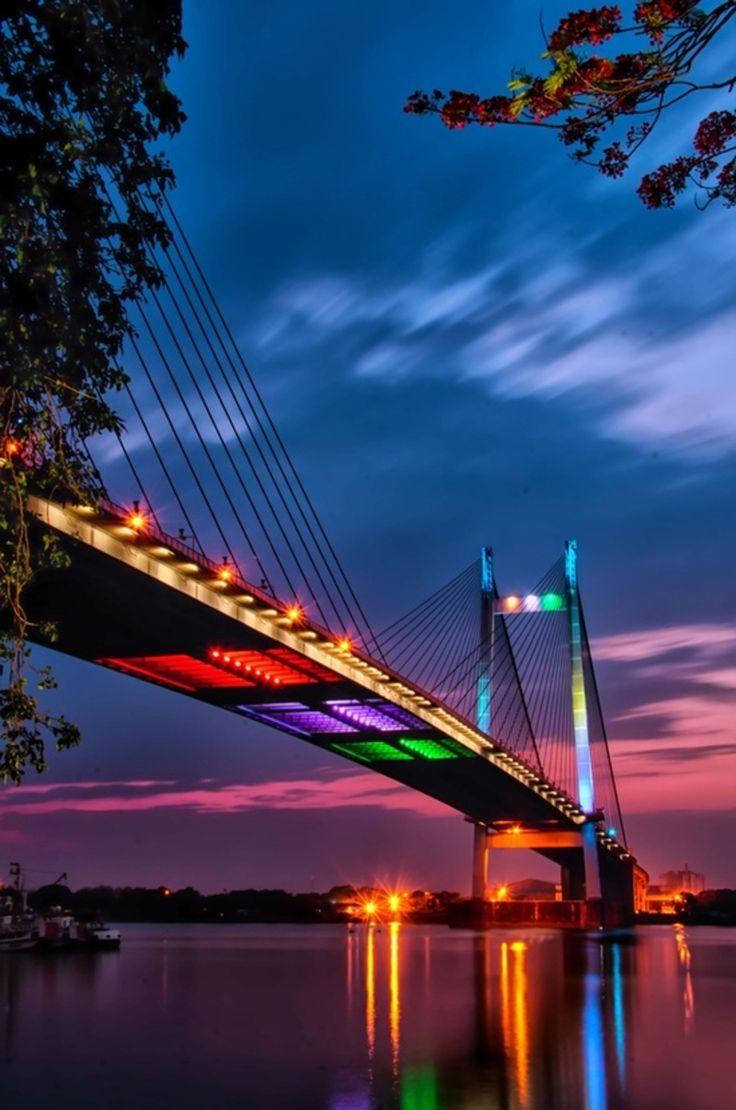The light bridgeVidyasagar Setu also known as
