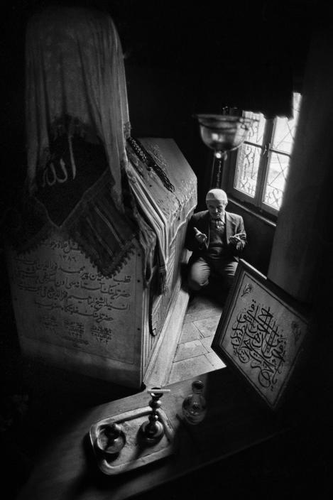 Magnum Photos- Ara Guler TURKEY. Man praying in the Cerrahi Dervish Lodge at Karagumruk. 1985.