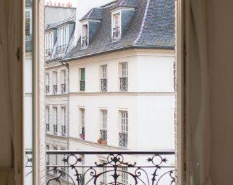 Fotografia di Parigi portello blu in Montmartre di rebeccaplotnick