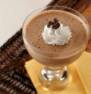 Ingredientes     2 cucharadas de Gelatina sin sabor     1 cuchara de Café soluble     1 taza de crema para batir     2 cucharadas d...