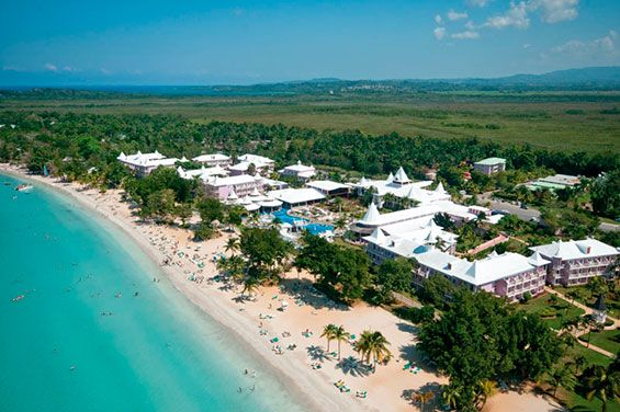 By its excellence, the Riu Palace Tropical Bay (All Inclusive 24h), located at the famous beach of Bloody Bay in Negril, Jamaica, is one of the best complexes of this area. Hotel Riu Palace Tropical Bay - Hotel in Negril, Jamaica - RIU Hotels & Resorts