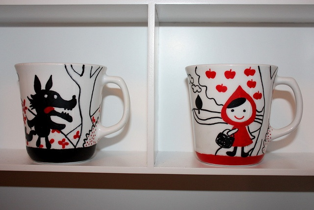 sharpie mugs! OMGoodness! Look how adorable little red riding hood and the big bad wolf are!!!
