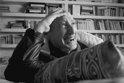 Al rescate del poeta Bousoño. Luis Antonio de Villena | El Mundo, 2016-01-20 http://www.elmundo.es/cultura/2016/01/20/569f3c00268e3ef9748b462e.html
