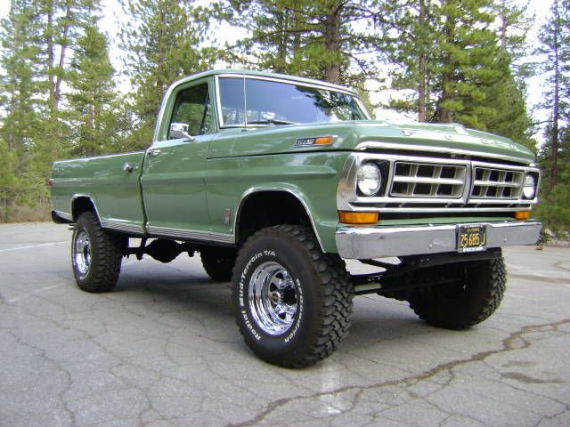This is an original California Black Plate Ford F-250 sport custom 4x4 with a 4-speed manual transmission. It is Boxwood Green and comes with a Marti Report ...
