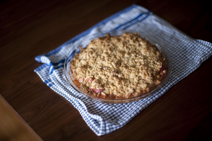 Rhubarb Polenta Crumble: Rhubarb Recipes, Rhubarb Cornmeal, Rhubarb Polenta, Sweet Treats, Rhubarb Crumble, Polenta Crumble, Cornmeal Crumble
