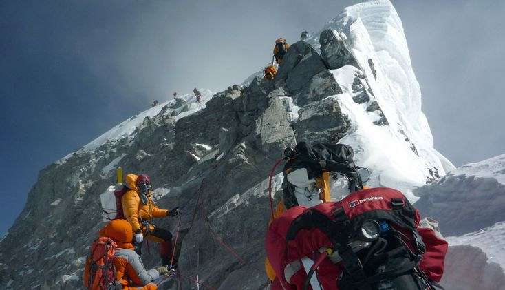Sherpa strike closes down Everest | The Times