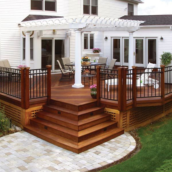 beautiful backyard deck with square design                                                                                                                                                                                 More (Garden Step Handrail)