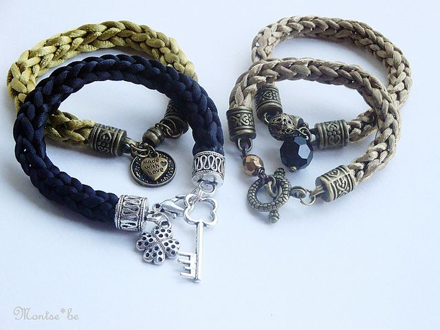 Pulseras Tricotin a ganchillo | Sara y Maria un dia de keda… | Flickr - Photo Sharing!