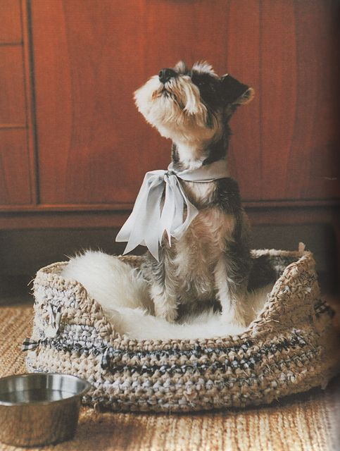 """sweet and simple crochet patters - loved this book. and the chance to """"meet"""" the authot on ravelry. Ravelry: Rag Pet Bed pattern by Erika Knight"""