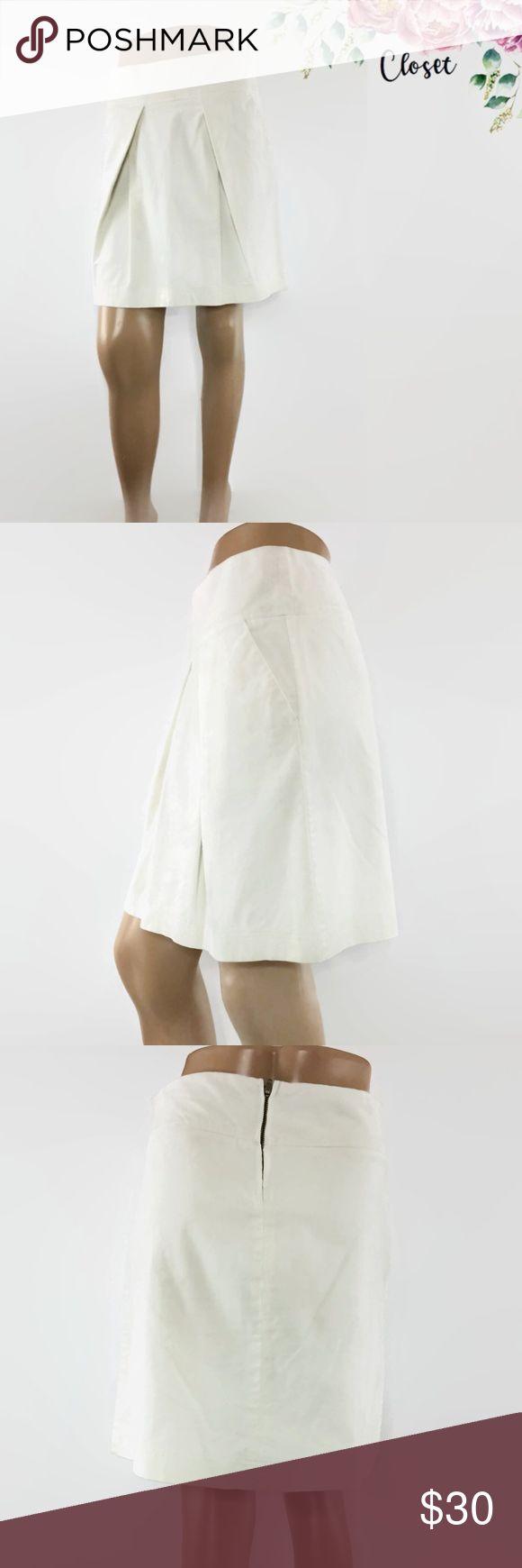 UCB United Colors of Benetton Cord Pleated Skirt Like New   United Colors of Benetton White Super Soft Corduroy Pleated Skirt  Size 40 = US 6  Waist 30' Length 19'  98% Cotton 2% Elastan United Colors Of Benetton Skirts Mini