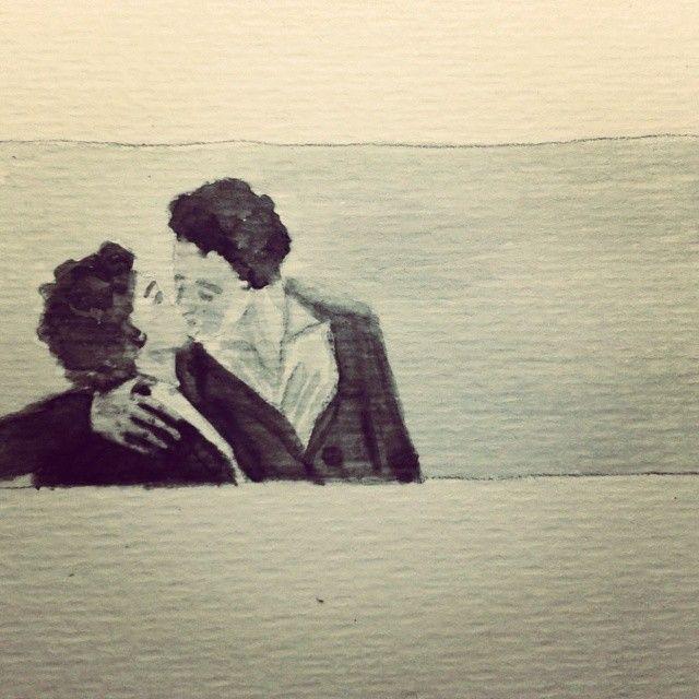 Petó - Beso - Kiss Inspirada en El Beso de Robert Doisneau, la que dicen es la fotografía más vendida de la historia. La foto se tomó en 1950 delante del Ayuntamiento de París. Durante años el autor dijo que era un beso robado pero lo cierto es que ello eran una pareja de actores.