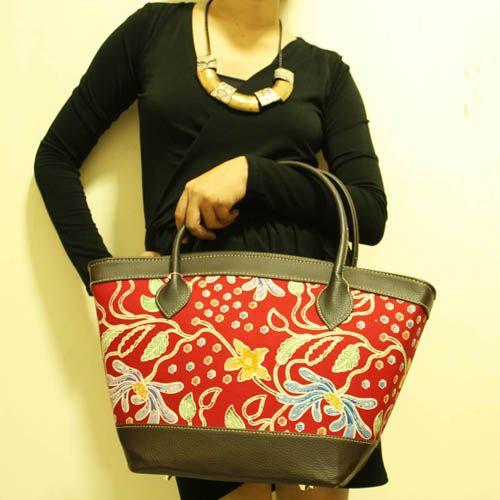 Puspa Sketchy Flower Top Handle Bag