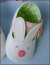 How to make bunny shoes!: Fabric Strap, Babies, Sewing Projects, Plain Shoes, Sewing Embroidery, 3 99 Pattern, Bunnies, Baby Shoes, Bunny Shoes