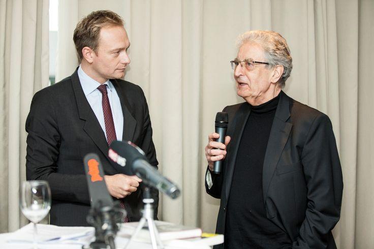 Gerhart Baum und Christian Lindner bei der Veranstaltung mit Christian Lindner in der Kanzlei baum Reiter & Collegen am 25.04.2012