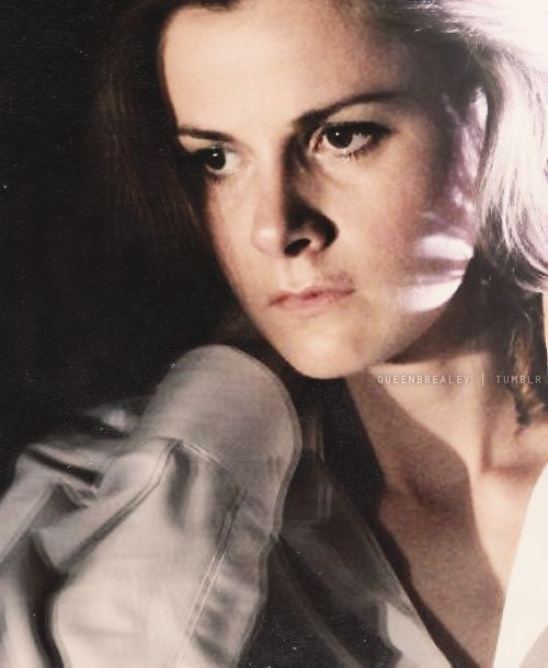 50 pictures of Louise Brealey → 23/50 (x)