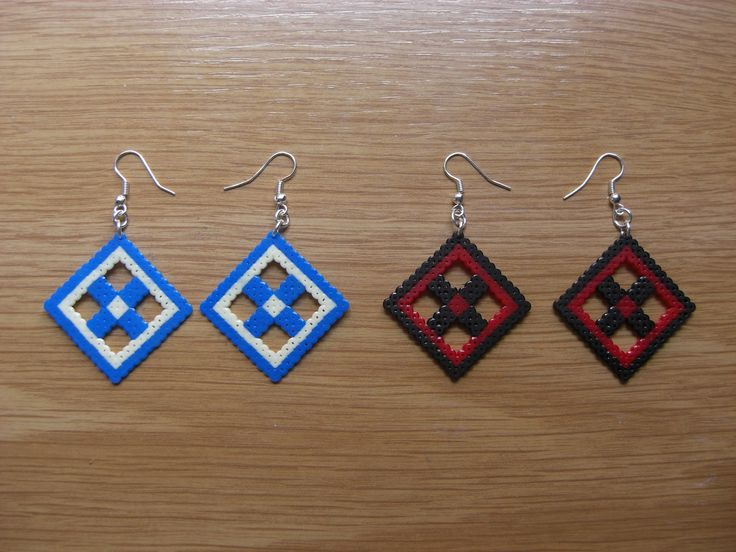 Pendientes rombo con flor hama beads by Ursula