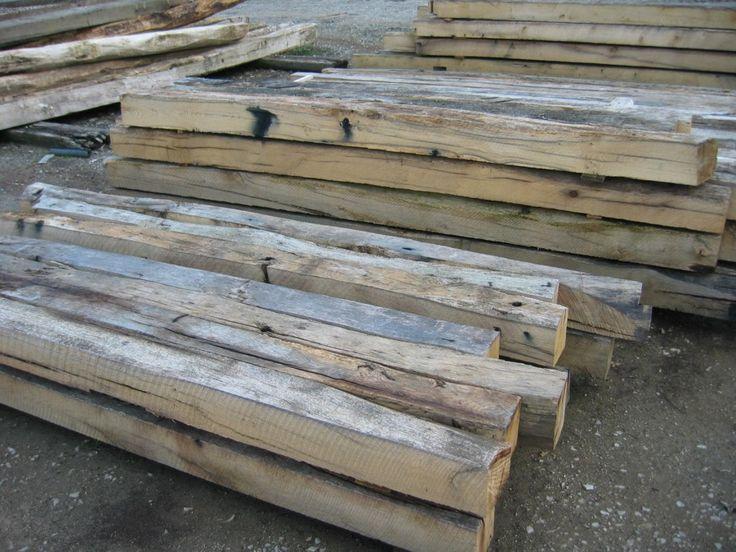 Chêne scié pour solives anciennes. Chêne de récupération scié pour réalisation de solivage ou colombage.