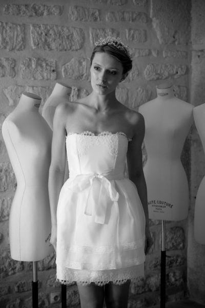 """Robe de mariée """"Coccinelle"""", Gilles Zimmer - EN IMAGES. Dix robes de mariée courtes pour la cérémonie civile - L'EXPRESS"""