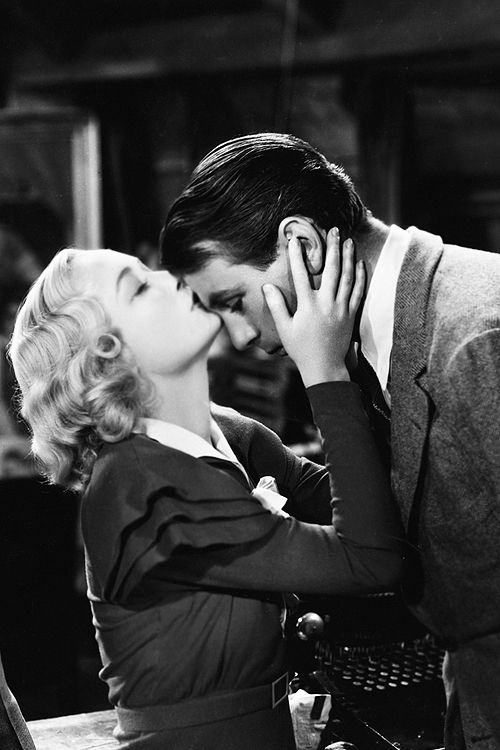 Miriam Hopkins and Gary Cooper in Design For Living, 1933.