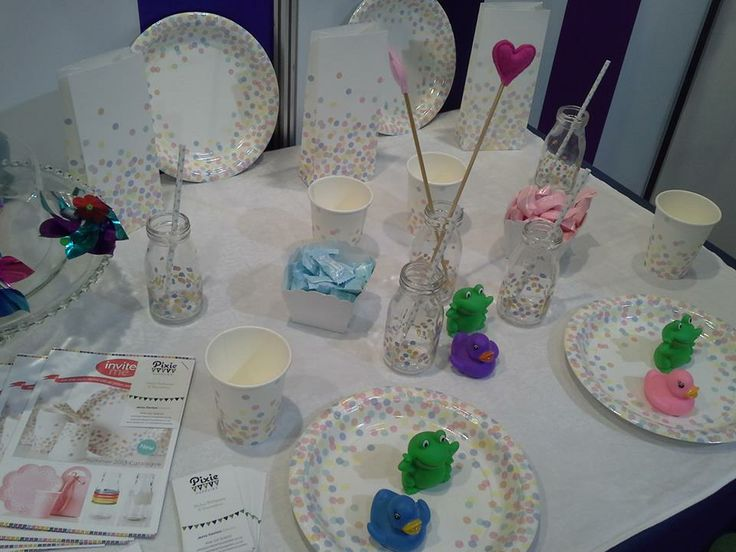 Showcasing the beautiful Confetti partyware range from Sundays at the Autumn Gift Fair